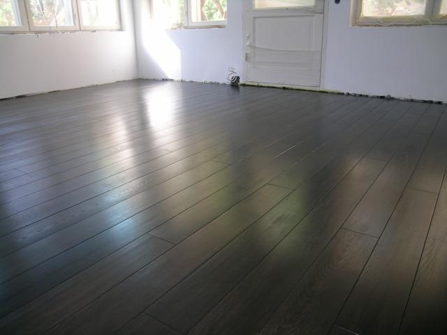 Esche-Landhausdielen-Natur-Holz-Select-15x130-Geolt-Schwarz-Finischool