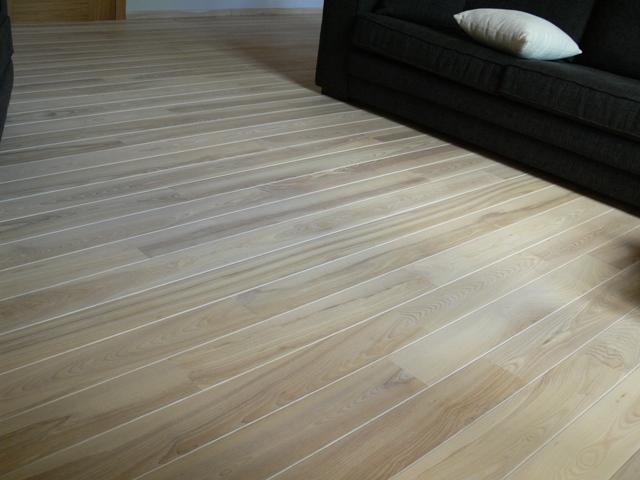 Esche-Massivholzdielen-Select-15x110-Geolt-Weiss