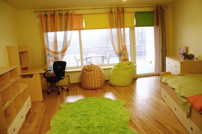 ruhigen Wohnzimmer mit Eschenholz Boden