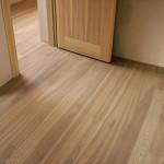 Eschen-Holz-Landhausdielen-Select-16x110-Geolt-Weiss