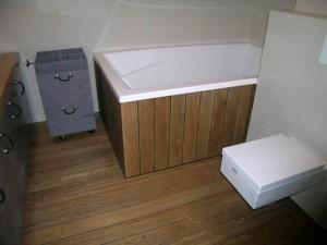 Massiv Eiche LAndhausdielen Boden Massiv Hartholz Dielenboden im Badezimmer